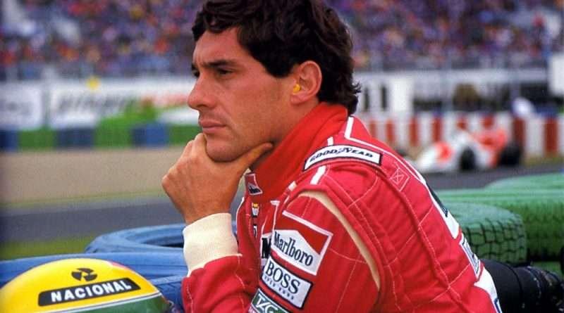 Ο Αίρτον Σένα πέθανε σαν σήμερα το 1994, σε μια μαύρη πρωτομαγιά. προκαλώντας σοκ στην Formula 1 και είναι κάτι που θα μείνει για πάντα χαραγμένο στην ιστορία.