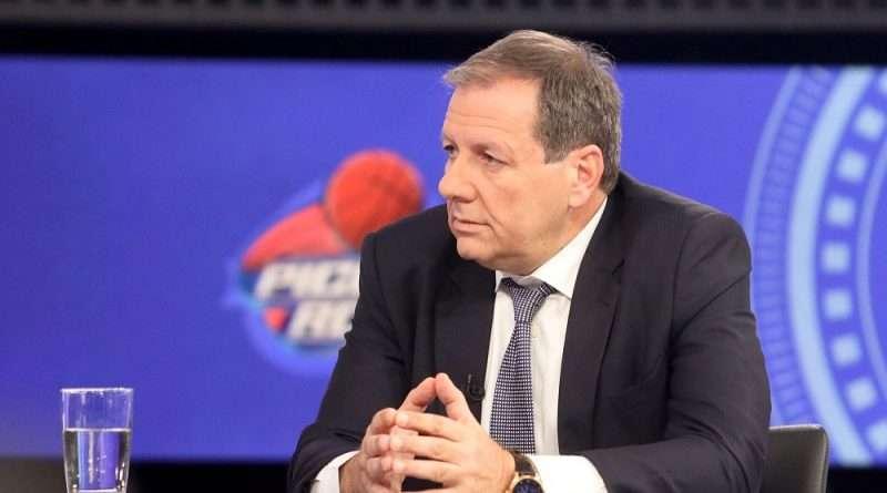 Ο Μάκης Αγγελόπουλος έχει δύσκολο καλοκαίρι μπροστά του με την ΑΕΚ, έχοντας μεγάλη οικονομική τρύπα, ενώ θα έρθουν νέα BAN από την FIBA.