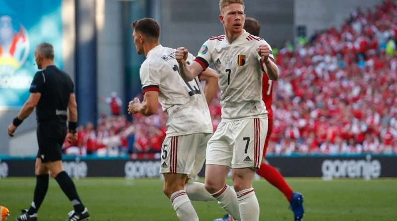 Euro 2020: Η Δανία ηττήθηκε από το Βέλγιο με 2-1 σε ένα ματς όπου πρωταγωνιστής ήταν ο Κέβιν Ντε Μπρόινε για τους νικητές.