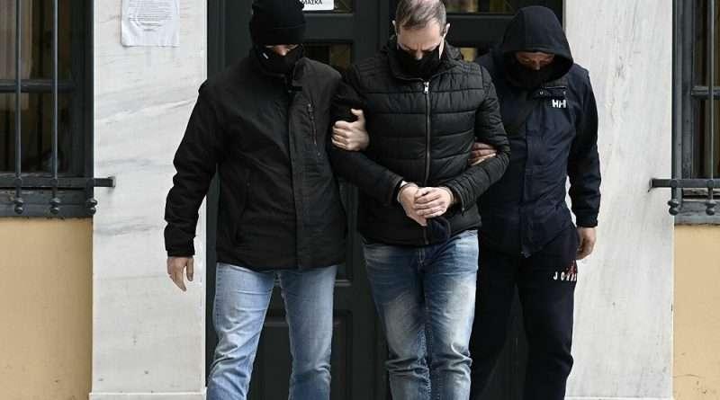Ο Δημήτρης Λιγνάδης βλέπει να μεγαλώνει ο φάκελος με τις διώξεις, αφού έγινε μια ακόμα εναντίον του και αφορά καταγγελία άνδρα όταν ήταν 17 ετών.