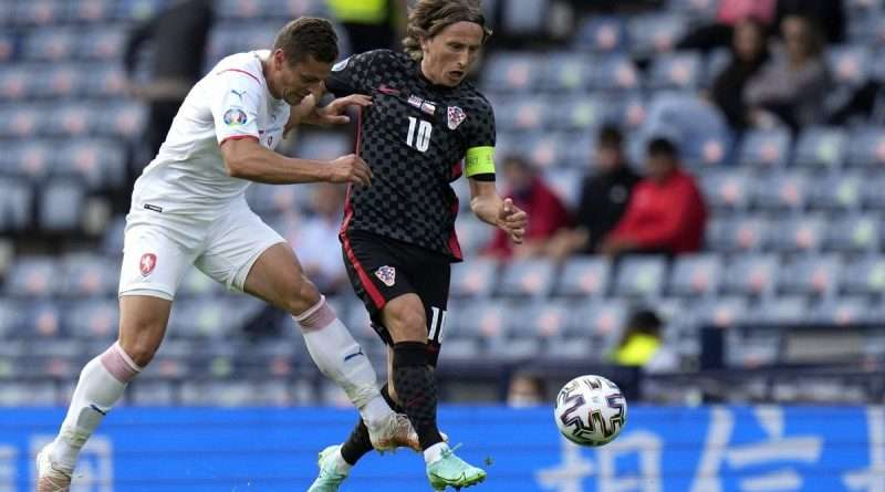 Κροατία - Τσεχία 1-1:Ο Σικ άνοιξε το σκορ με εύστοχο πέναλτι στο 37' και ο Πέρισιτς απάντησε στο 47' με ασύλληπτο σουτ!