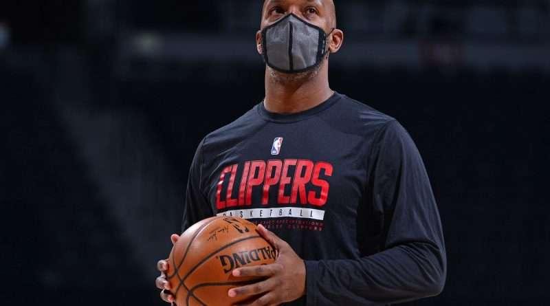 NBA: Ο Τσόνσεϊ Μπίλαπς είναι ο νέος head coach των Πόρτλαντ Τρέιλ Μπλέιζερς. Tην ίδια ώρα επικρατεί αναβρασμός στις τάξεις της ομάδας με τον σταρ της.