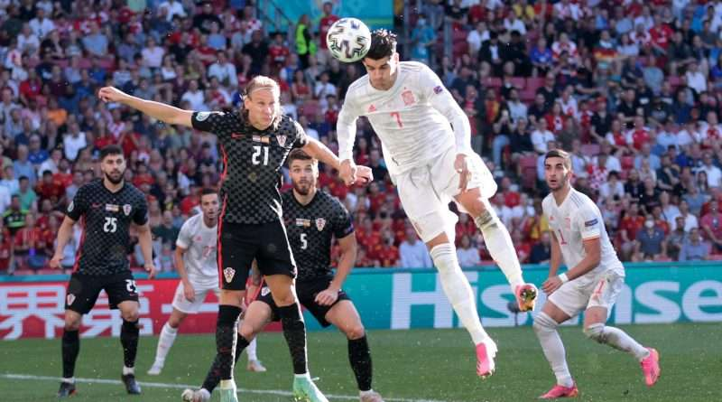 Euro 2020, Κροατία - Ισπανία 3-5: Πρόκριση θρίλερ σε ένα ιστορικό παιχνίδι, το οποίο οι «φούρια ρόχα» επικράτησαν στην παράταση , οι δύο ομάδες αναδείχθηκαν ισόπαλες 3-3 στην κανονική διάρκεια του αγώνα.