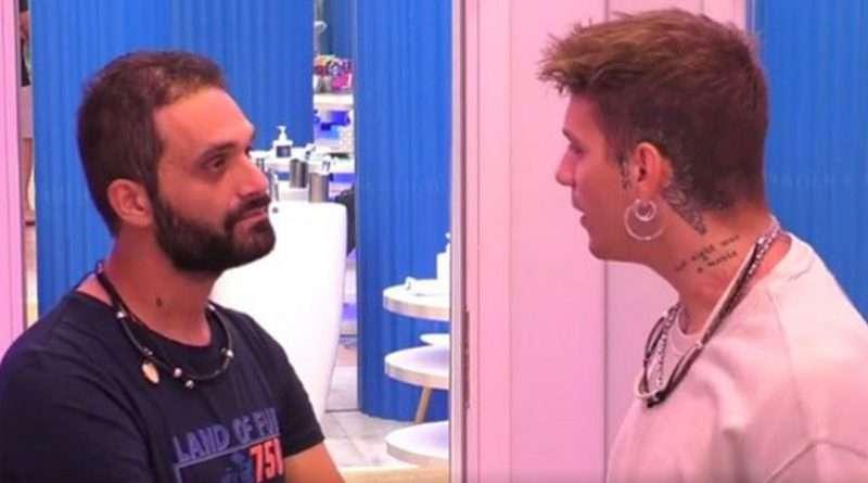 """Χαμός στο Big Brother 2: """"Δεν είσαι στρέιτ, μίλα ξεκάθαρα!"""
