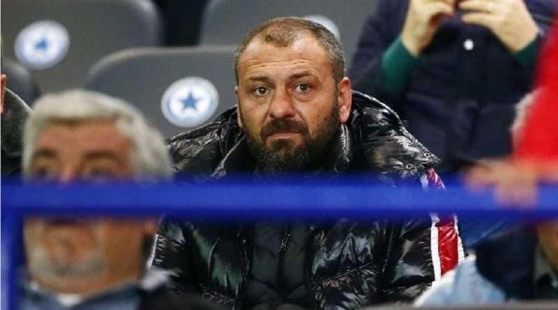 Ο Γιώργος Ανατολάκης έχασε τα εκατομμύρια που του έδωσε ο Ολυμπιακός, αλλά και την λάμψη της Βουλής για να καταλήξει κούριερ στην Θηβών.