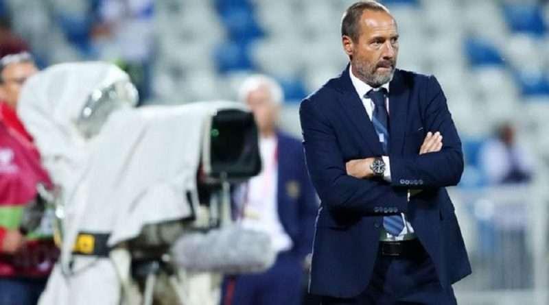 Η Εθνική Ελλάδας δεν κατάφερε να πάρει τη νίκη ούτε απέναντι στο Κόσοβο με τον Φαν'τ Σχιπ να είναι τελειωμένος και αναζητείται ο αντικαταστάτης του.